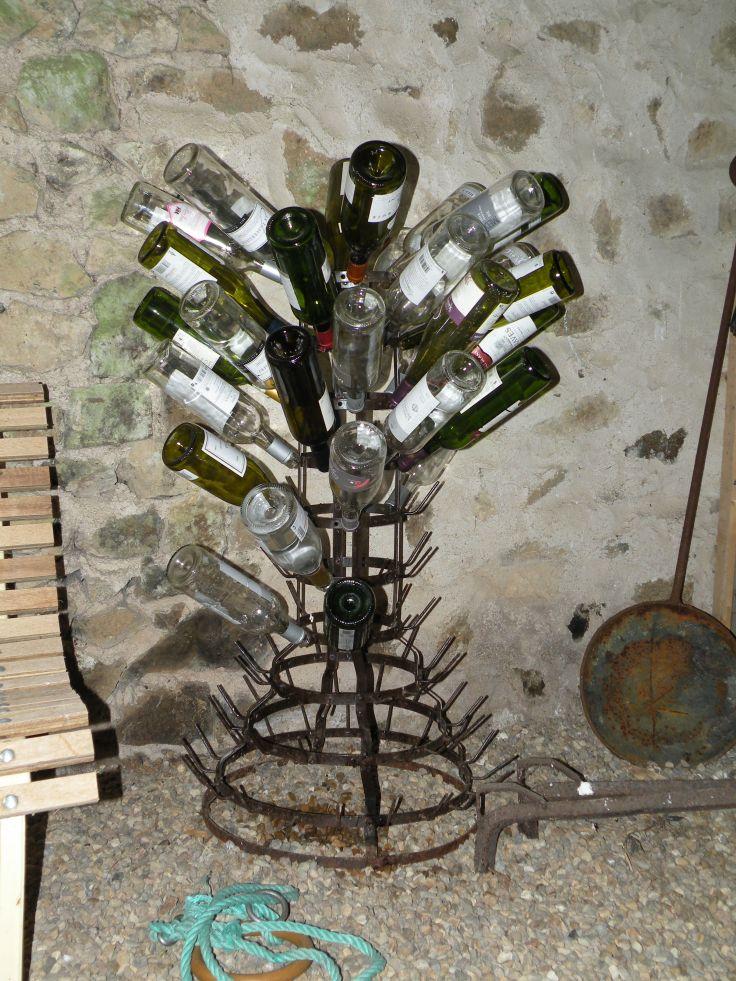 uitdruiprek voor wijnflessen